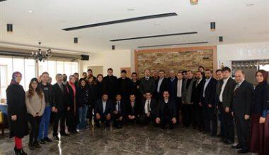 AK Parti yönetimi Gazeteciler Günü'nü kutladı