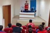 Sporculara ilk yardım ve rehabilitasyon paneli verildi
