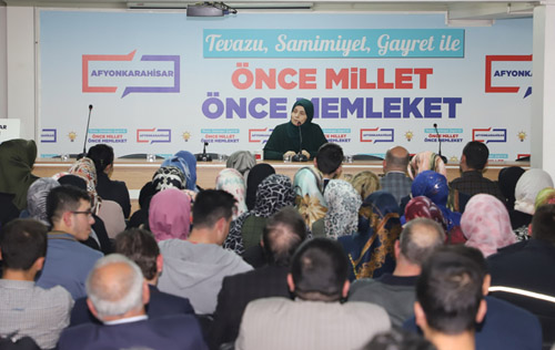 """Emine Şenlikoğlu, """"Reis""""i anlattı"""