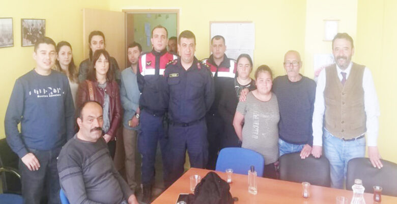 Kaybolan kız çocuğunu Jandarma bulundu