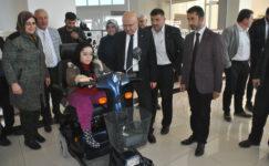 İGM'de engelli genç kıza araç hediyesi