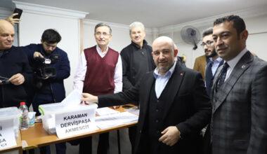 """AK Parti'de  delege seçimleri  başladı: """"2023 hedeflerinin adımlarını atıyoruz"""""""