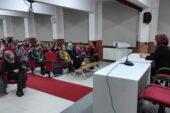 Op. Dr. Tuncer kız  öğrencileri bilgilendirdi