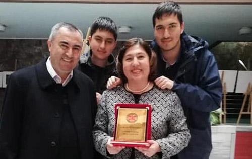 """Küçükkurt'a """"Halk Kültürüne hizmet"""" ödülü"""