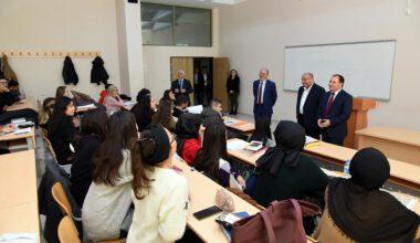 Rektör Karakaş, öğrencileri dinledi
