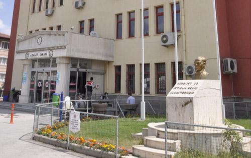 FETÖ'de 7 ceza, 3 beraat
