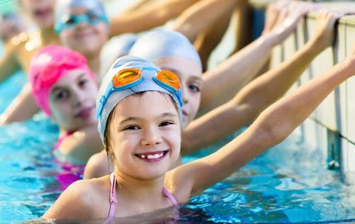 Belediye kızlara yüzme kursu açıyor