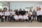 Öğrenciler başarılarını  Yalçın ile paylaştı