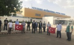 Çad'daki Türk vatandaşları Özkaya'nın girişimleri ile yurda döndü