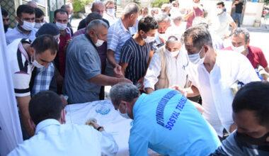 Ayasofya Camii  için helva dağıtıldı