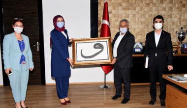 Başkan Zeybek, misafirlerini kabul etti