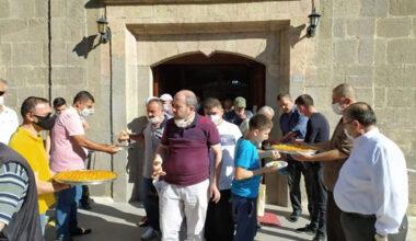 Dayı'dan Ayasofya kararı sonrası baklava ikramı