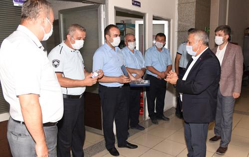 Başkan Zeybek,  personelle bayramlaştı