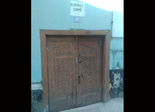 Tarihi kapı  korumaya ALINMALI