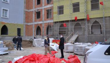 İnşaatı devam eden okullar, en kısa sürede bitirilecek